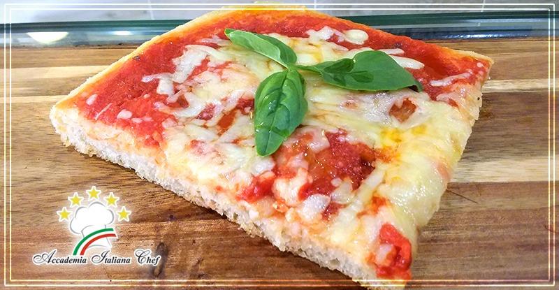 Corso di Pizzaiolo a Lecce : pizza al taglio alla romana.